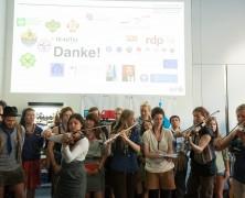 """""""Gute Reise, ScoutingTrain!"""" Internationales Pfadfinderprojekt wird in Berlin feierlich """"angepfiffen"""""""