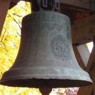 Die evangelisch Glocke läutet für katholische Messe