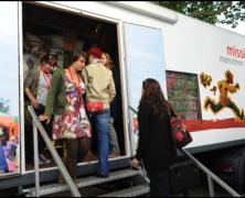 missio-Truck informiert über Flüchtlinge