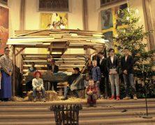 Lebensgroßer Stall für Kirche