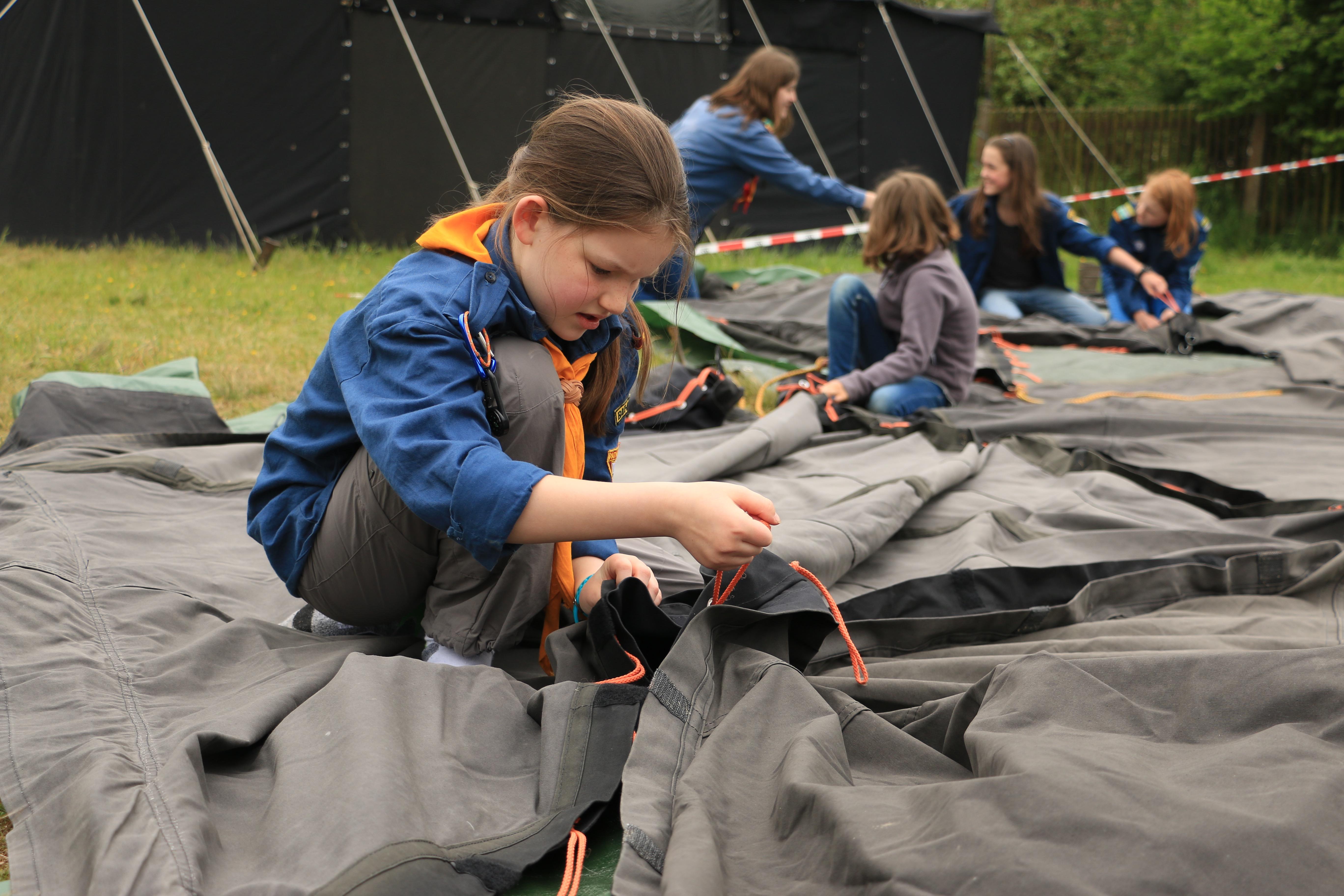 Gemeinsamer Aufbau des SDV Camps © [Anne-Kristin Werner]